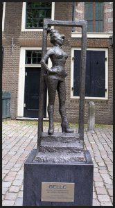 Sex_worker_statue_Oudekerksplein_Amsterdam